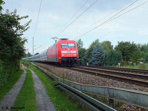 Am 13. August 2013 durchfährt 101 014-9 den Hp Dresden-Stetzsch