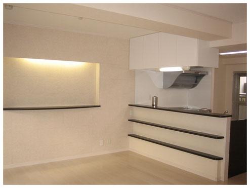 リノベーション後。仕切の壁を無くして広々としたリビングダイニングキッチンに。