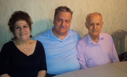 Müzeyyen, Muzaffer und Mehmet Bali    -   Wohnung Keupstraße, August 2015
