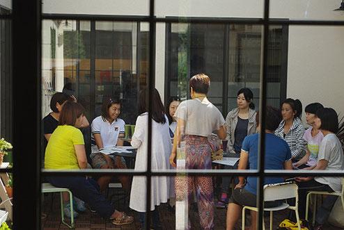 実はこの時、カフェのランチが大盛況で、健太郎さんがhanahacoさんの店員さんのごとく大活躍していたんです(笑)