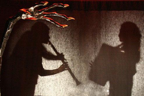La Femme aux Os, spectacle de musique et contes par Fanny et Pascale Rambeau de la Compagnie Parolata Sung, Vienne 86, Deux-Sèvres 79, Nouvelle-Aquitaine, France