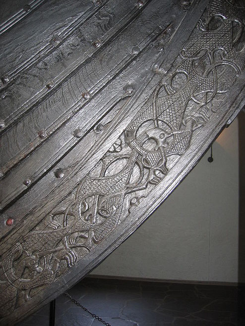 Detail of Oseberg ship, Wikimedia, Karamell