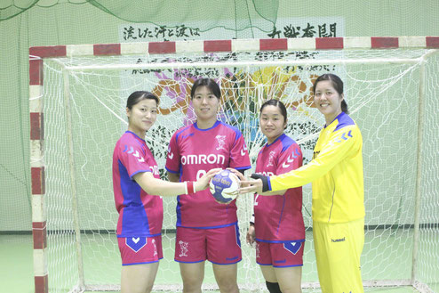 オムロンから日本代表に選出された(左から)石井、永田、勝連、宮川