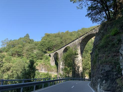 Auf dem Weg durch das Valle Vigezzo (das Tal der Maler)