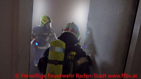 Feuerwehr; Blaulicht; FF Baden; Brand; Wohnung; Innenstadt;