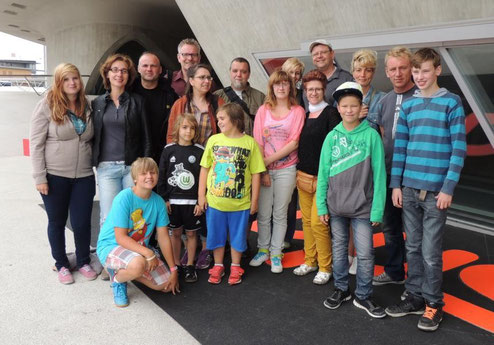Vor dem phaeno in Wolfsburg