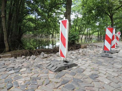 Beschädigte Straße von Fischbeck nach Kabelitz