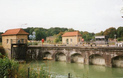 Sparbecken der Schleusenanlage 1998