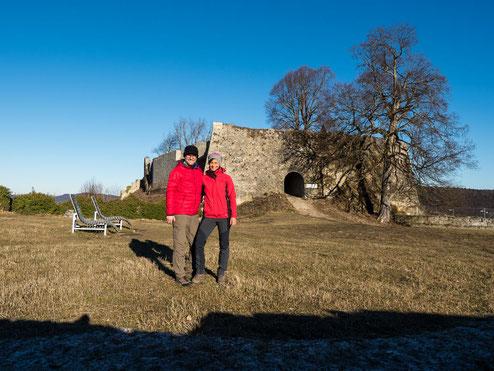 Vor der Ruine Hohenurach