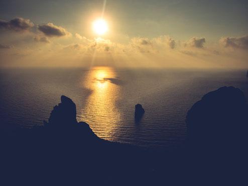 Sehr empfehlenswert - auf dem kleinen Gipfel in Nèbida den Sonnenuntergang genießen
