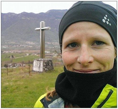 Marathonläuferin Sophia ist vom Laufen inmitten bayerischer Berge begeistert.