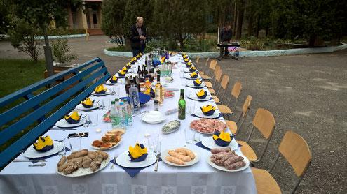 Abends hatten wir die weißrussischen Kollegen zum Grillen eingeladen.