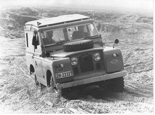 Sieg von Hugo Brogli beim Landrover-Ralley in Holland 1966 (Foto: J. van Lent, Den Haag)