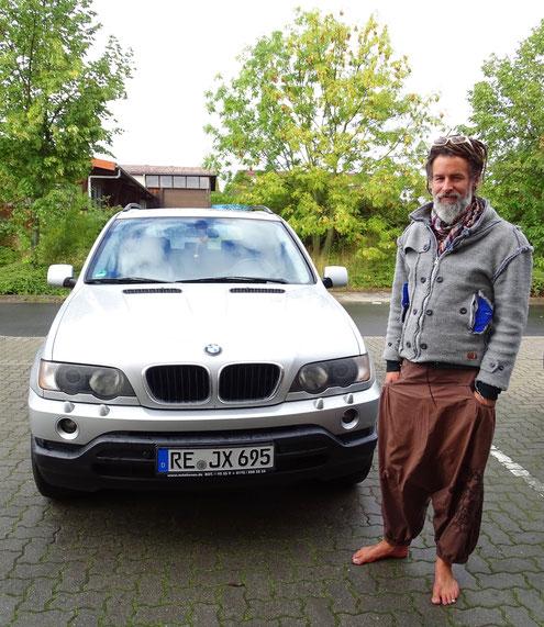 Zufriedener Kunde mit GTX Autogas-Pumpe in BMW X5