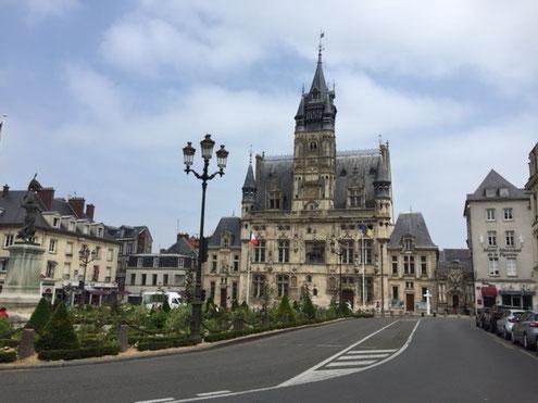 hotel-de-ville-compiegne-gite-nid-saint-corneille-verberie
