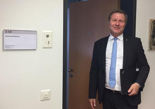 Erster Arbeitstag im BKD: Marcel Schwerzmann vor seinem neuen Büro.