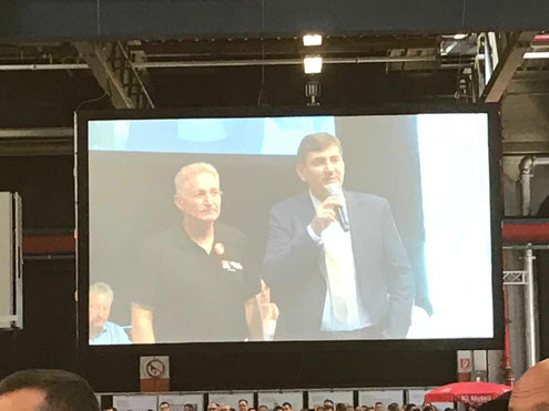 (v.l.n.r.) Uwe Fritsch (BR Vorsitzender) und Gunnar Kilian (VW-Personalvorstand)