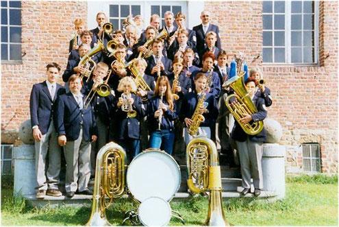 Städtischer Musikverein Erkelenz 1999 vor Haus Hohenbusch