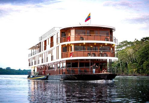 Kreuzfahrten im Regenwald mit ECUADORline