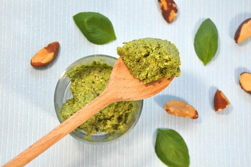 Erbsenpesto, veganes Pesto, Pesto mit Erbsen, Pesto Paranüsse, vegan Paranüsse