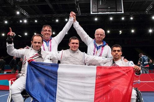 Serge Larher - 2ème rang à droite.
