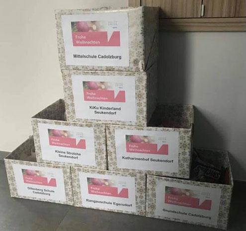 Geschenke der Frauen-Union Seukendorf für Kindergarten, Mittelschulen und Seniorenheim