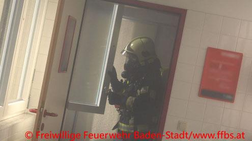 Feuerwehr; Blaulicht; FF Baden; Brand; Schule;