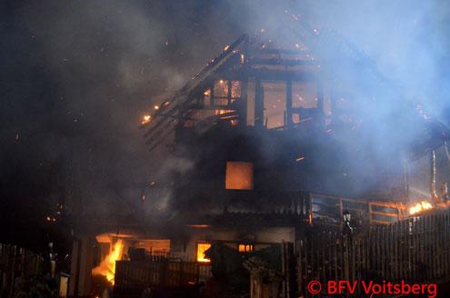 Feuerwehr; Blaulicht; BFV Voitsberg; FF Markt Mooskirchen; Brand; Auf der Pack; Wohnhaus;
