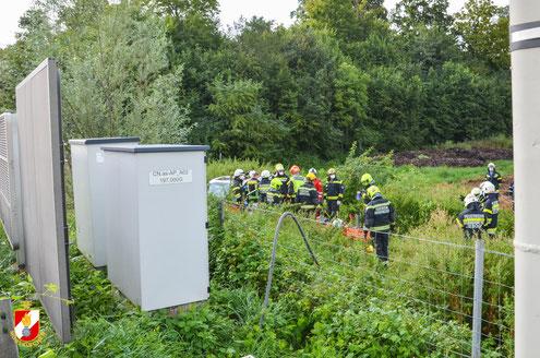 Feuerwehr; Blaulicht; FF Markt Mooskirchen; Unfall; A2; Fahrzeugüberschlag; PKW;