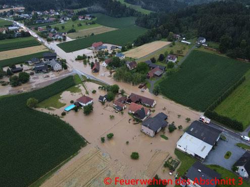 Feuerwehr; Blaulicht; FF Markt Mooskirchen; Unwetter; Hochwasser;