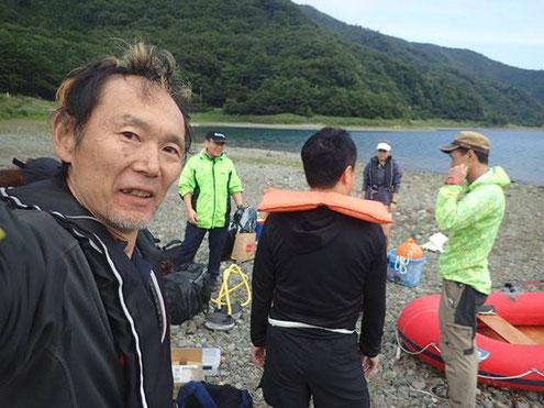 (写真:南極観測隊の湖沼チームの訓練に参加中の村越(2017.8)