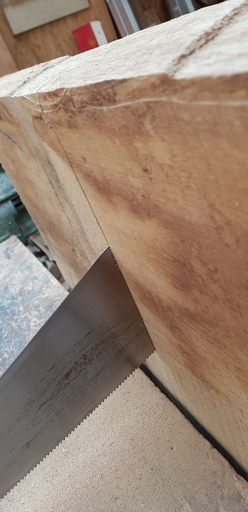 Easy cross cutting job for the sharpened panel saw.