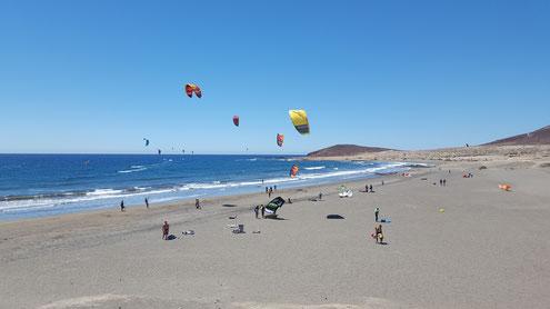 Kite-Surfen am Strand von El Médano, Teneriffa