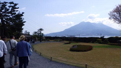 仙厳園からのぞむ借景・桜島