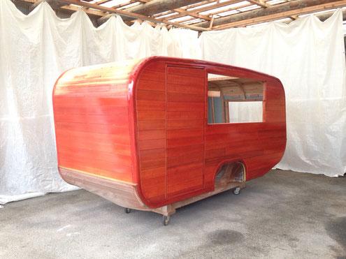 キャンピングトレーラー 木製キャンピングトレーラー キャンピングカー トレーラー Caravan  TinyHouse タイニーハウス