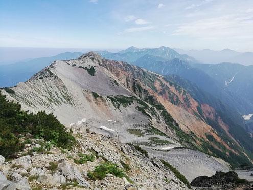 薬師岳山頂より金作谷カールと立山連峰