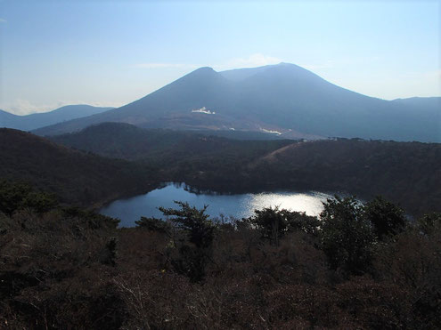 白紫池と韓国岳