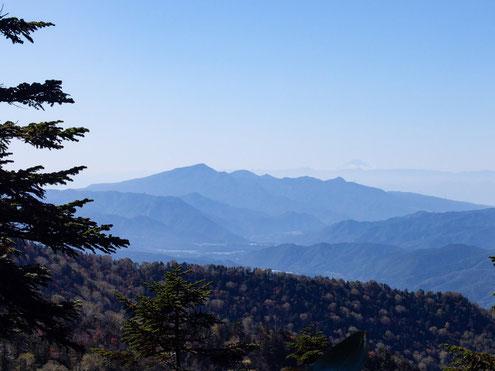 白尾山から富士山を望む