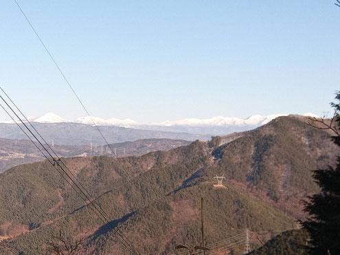 鳴雷山から八ヶ岳(ズーム)