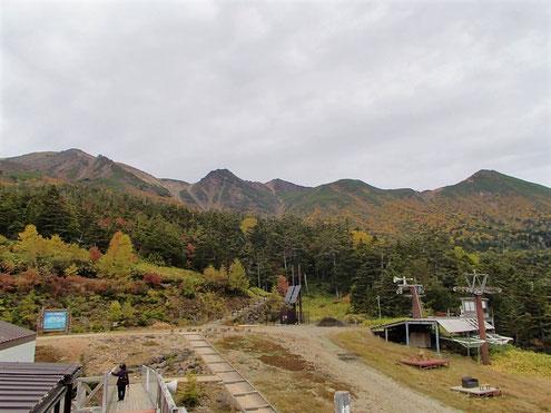 ロープウェイ飯森高原駅より御嶽山を望む