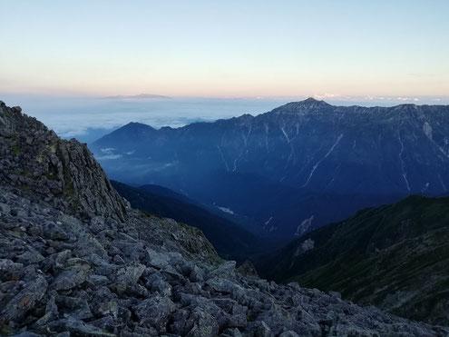 笠ヶ岳の朝
