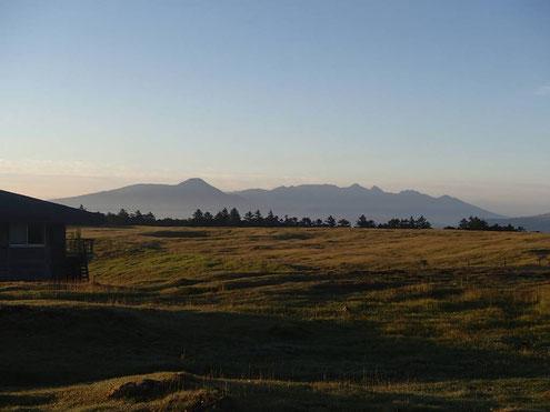 美ヶ原の朝・八ヶ岳
