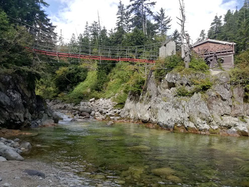 黒部川と吊橋
