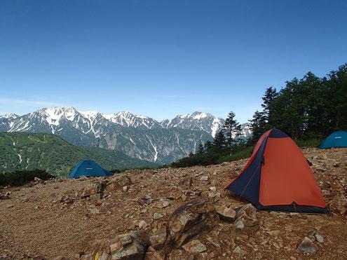 冷池キャンプ場と立山剱