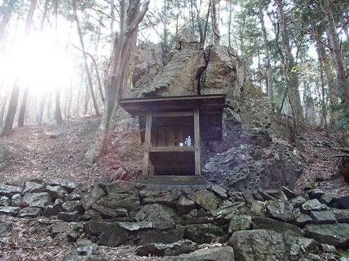 雄床山神社(山ノ神)