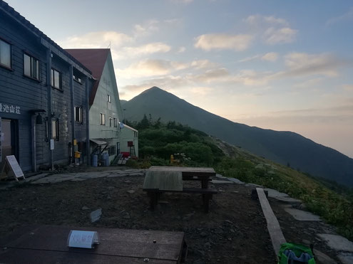 種池山荘の朝