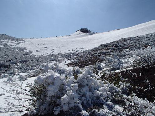 峰の辻付近より山頂