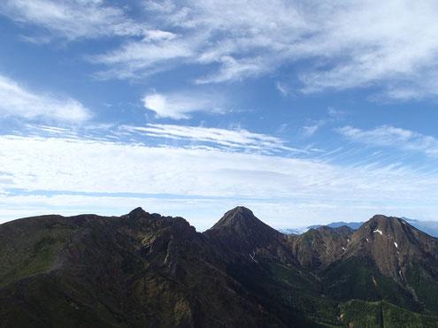 八ヶ岳核心部と青空