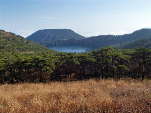 白紫池と甑岳