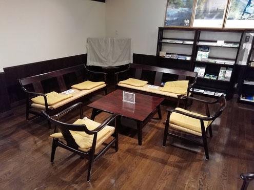徳沢ロッヂ談話室